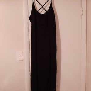 NWT Boohoo maxi with m slit and criss criss neck